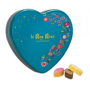 Boîte en forme de coeur de petits calissons rose, chocolat, nature du Roy René